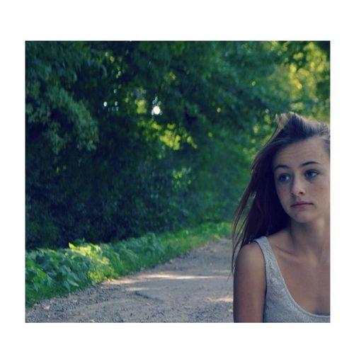 je t'en veux, j'en veux au manque que tu provoques en moi et à ces paroles qui m'ont fait rêver