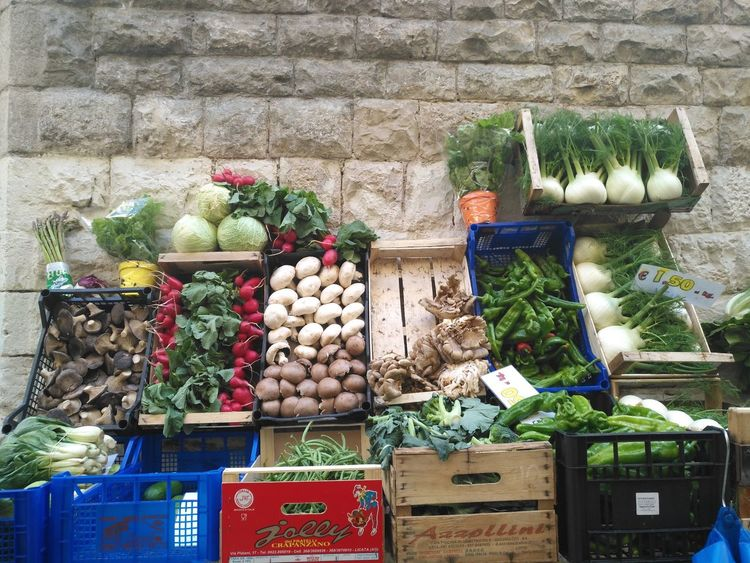 Vegetable Variation Choice Garlic Market Stall Market Food And Drink For Sale Food Business Finance And Industry Healthy Eating Day Crate Tomato Retail  Cucumber Freshness Price Tag Large Group Of Objects Abundance No Filter The Street Photographer - 2017 EyeEm Awards