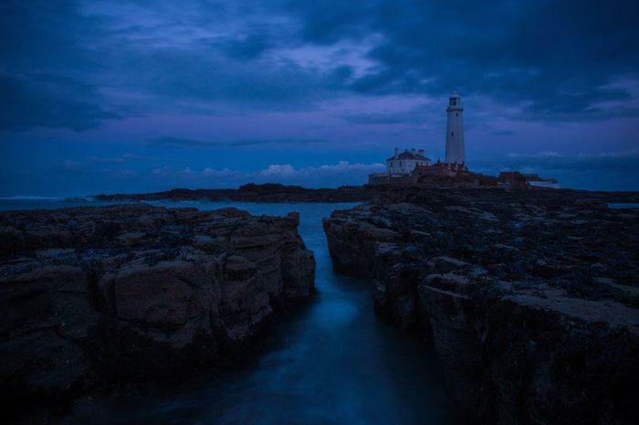 Had a good night tonight, starting to get the hang of long exposers. St Marys Lighthouse Newcastle Upon Tyne Waves Long Exposure Lighthouse Sea Clouds And Sky Showcase March