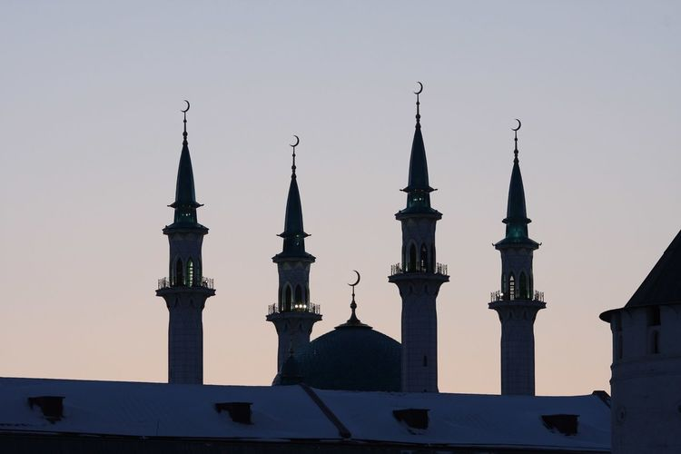Islam Islamic Architecture Islamic Architecture History The Past Built Structure Travel Destinations Building Exterior Religion Place Of Worship City Outdoors Silhouette Aggression  Building No People Tower Nature Sky Travel Belief Spire