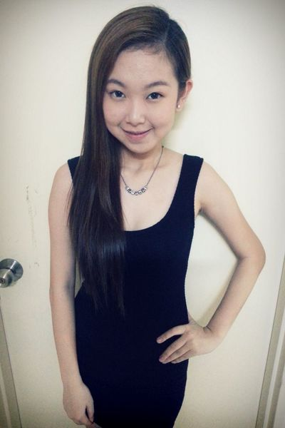 last day of the year. yeah! I'm Vanessa Malaysian Girls Smile♥ Mixbloodbaby