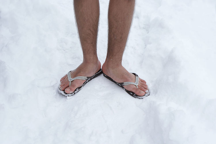 Can this one join the army?🤔 Low Section Human Body Part Close-up Standing Adults Only People Adult Snow One Person Minimalism Young Adult Winter Barefoot Feet Adapted To The City Outdoors From My Point Of View Snow Covered Cold Temperature EyeEm Gallery White Background The Portraitist - 2017 EyeEm Awards Out Of The Box Rethink Things This Is Masculinity Inner Power 10