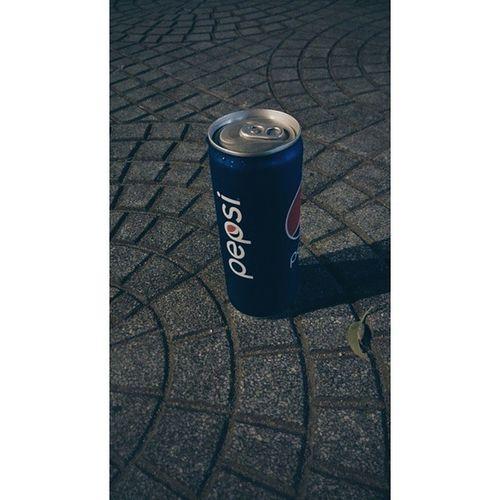 Pepsi làm lon đẹp, cao cao, tròn tròn cầm sướng cả tay :D Pepsi Water Drink Nhathoducba vscocamgram vscophile vsco vscocam vscogood vscovietnam
