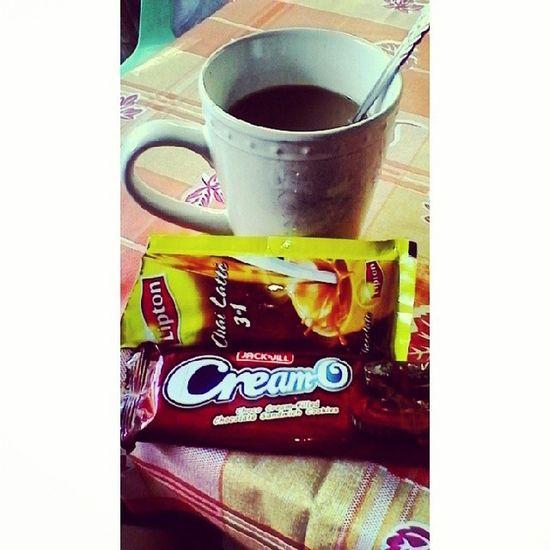 good morning with chocolates! ☕Chailatte Lipton Chocolate Creamo