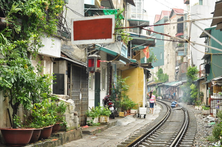 Ha Noi City Ha Noi Railway Hà Nội Hà Nội, Việt Nam Rail Village Railway Railway Tracks Railways Railways_of_our_world Vietnam Vietnam 2016 Railway Tracks Embrace Urban Life Adapted To The City