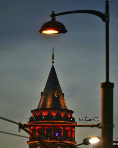 Galata Kulesi Sokak Fotografciligi Objektifimden Kadrajturkiye Tower Istanbuldayasam Istanbulda1yer Turkishfollowers Severekçekiyoruz Aniyakala First Eyeem Photo