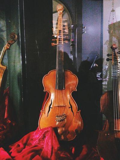 Violin <3 Antique Venice Italy