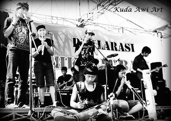 Throwback 2013 @pacuankuda Karinding KudaAwi Collabs Kdc KuninganDrumersClub Karinding Celempung GoongAwi Suling Toleat Percussion PacuanKuda Kuningan Jabar INDONESIA