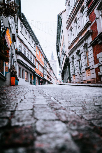 Krämerbrücke Architecture Building Exterior Built Structure City Street Building Residential District Day No People Surface Level Direction Nature The Way Forward Focus On Background Outdoors Transportation Road Selective Focus Wall Alley