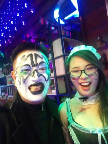 CRAZY HALLOWEEN Edenmandom Feeling Cafe ● Bar ● Bistro Young Women Portrait Eyeglasses  Smiling Friendship Nightlife Clubbing Togetherness Happiness Party - Social Event