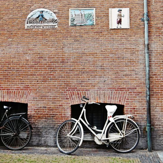 My preference for bicycles continues ....😁😄🤣Bicycle Outdoors Communication Built Structure Amsterdam Life From My Point Of View Wellplacedbike Amsterdamthroughmycamera Amsterdamlife Amsterdamcity Sidewalk Discoveries Streetphotographer Amsterdam Street Photography Bikesaroundtheworld Bicycles Of Amsterdam Bicycle Parking EyeEm Gallery Façadeporn Facade Detail Brick Wall Walking Around Taking Pictures Travel Destinations Parking Eyeemphotography Art Is Everywhere