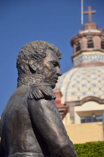 Architecture Human Representation Lion - Feline No People Outdoors Sculpture Sky Statue Vicente Guerrero
