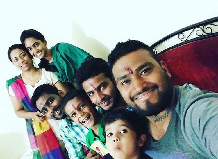 Happyrakshabandhan . Lgg4selfie . Broandsis