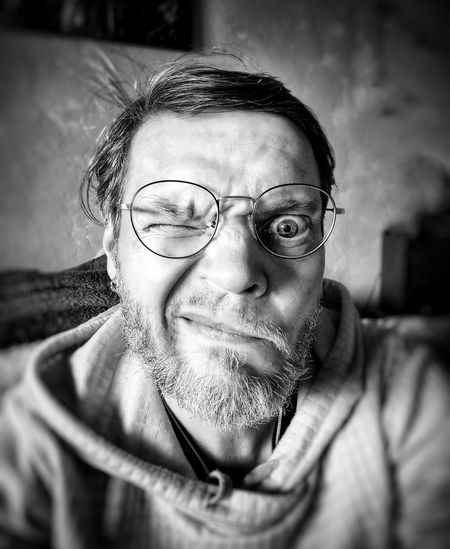 One eye only (part 3) Smartphonephotography Mobilephotography Portrait Photography Portrait Of A Man  Young Adult #selfportrait #selfportrait_tuesday_nonchallenge #selfie EyeEm Selects Portrait Eyeglasses  Men Looking At Camera Headshot Human Face Close-up Glasses Vision Eyesight
