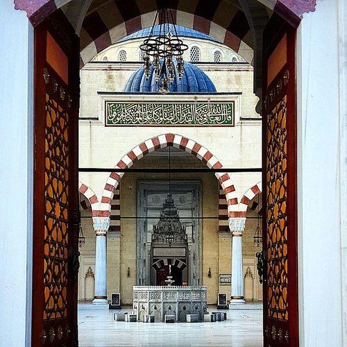 Istanbul Türkiye Turkey Travel Journey Art Islamic_art Islam Ottoman Oldmosque Mosque Gate Believe Religion_for_peace Religion Art Love Pray Ramazan Ramadan  Instalike Instagram Instagood Instadaily Instamood comeseeturkey oneistanbul city instam