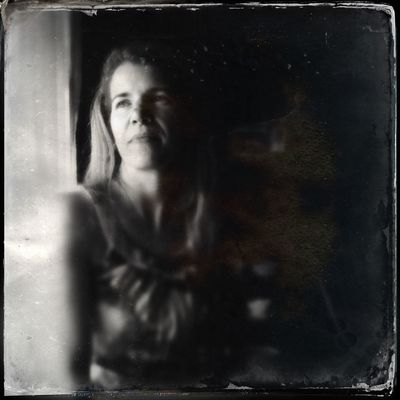 free WeAreJuxt.com Dtypeplate Tinto1884 Frame It! Portrait Woman At Home