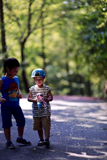 Beauty In Nature Beutiful  Beutiful Day Boys Focus On Foreground Kids Nature Nature Photography