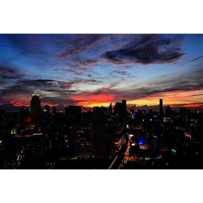 Good night Friday, see you next week... Tgif Sky Skyviewer Sun Sunset
