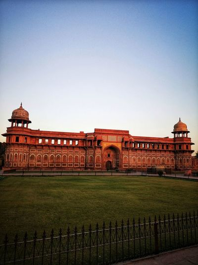 Red Fort Agra Gpmzn Shot With A Leica Leica Photography. The Golden Hour Agra Fort At Sunset History Architecture Built Structure Building Exterior Monument Ancient Civilization Triumphal Arch Old Ruin Ancient History The Past Archaeology National Monument Palace