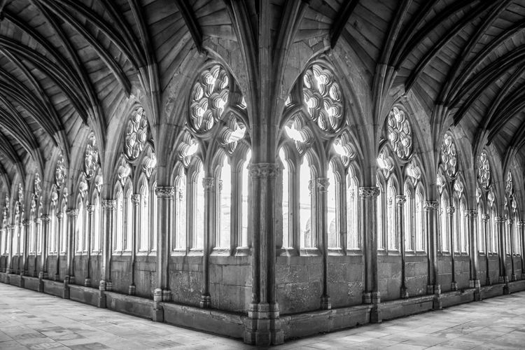The Cloisters of Lincoln Cathedral Lincoln Religion Light Blackandwhite Photography Worldplaces Worldwide World Wanderlust Travelphotography Travelpics Traveling Trip Travelgram Mytravelgram Travelingram England Instapassport Instatravel Instatraveling Church Passionpassport Holiday World Heritage Travel Destinations @amazingsmalltowns @natgeotravel @wanderlustmag @visitlincolnshire @visitlincoln @lincolncathedral @heritagelincs