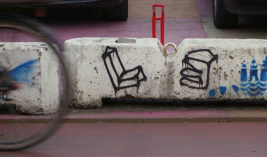 Grafitti Bicycle Movement Urban Geometry Urban Exploration Taking Photos Go For It Urban Life Red Norrebro