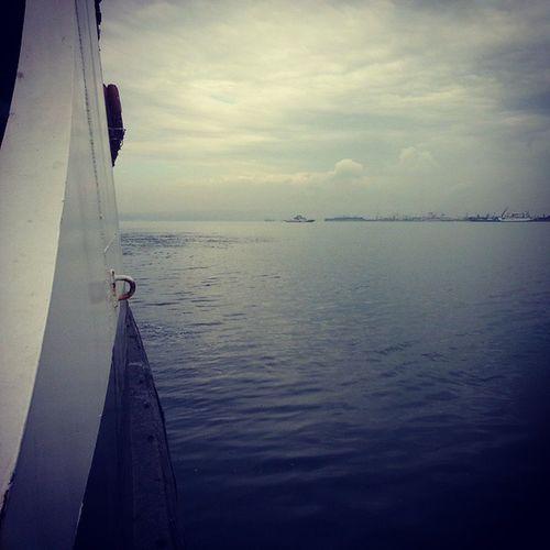 yine seyahat :) Deniz Feribot Istanbul Gezinti bulutlu hava