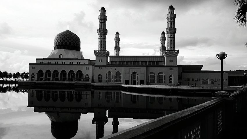 Floating Mosque. Mosque Mosque Architecture Mosque Photography Mosqueinmalaysia Architecture Reflection Black And White Friday Scenics EyeEm Gallery Eyeemphoto Eyeemphotography EyeEm Best Edits