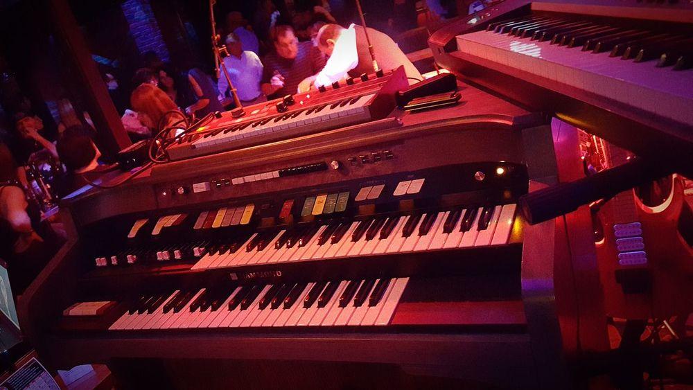 Orgue Hammond HAMMOND ORGAN Music Keyboard Instrument Musical Instrument Indoors  Performing Arts Event Deep Purple Tribute Organ