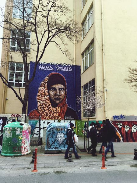 MalalaYousafzai Building Exterior Built Structure Architecture Human Representation Outdoors House Streetphotography Street Streer Art Art Real People Day Statue Sculpture EyeEmNewHere The Street Photographer The Street Photographer - 2017 EyeEm Awards The Street Photographer - 2017 EyeEm Awards The Great Outdoors - 2017 EyeEm Awards