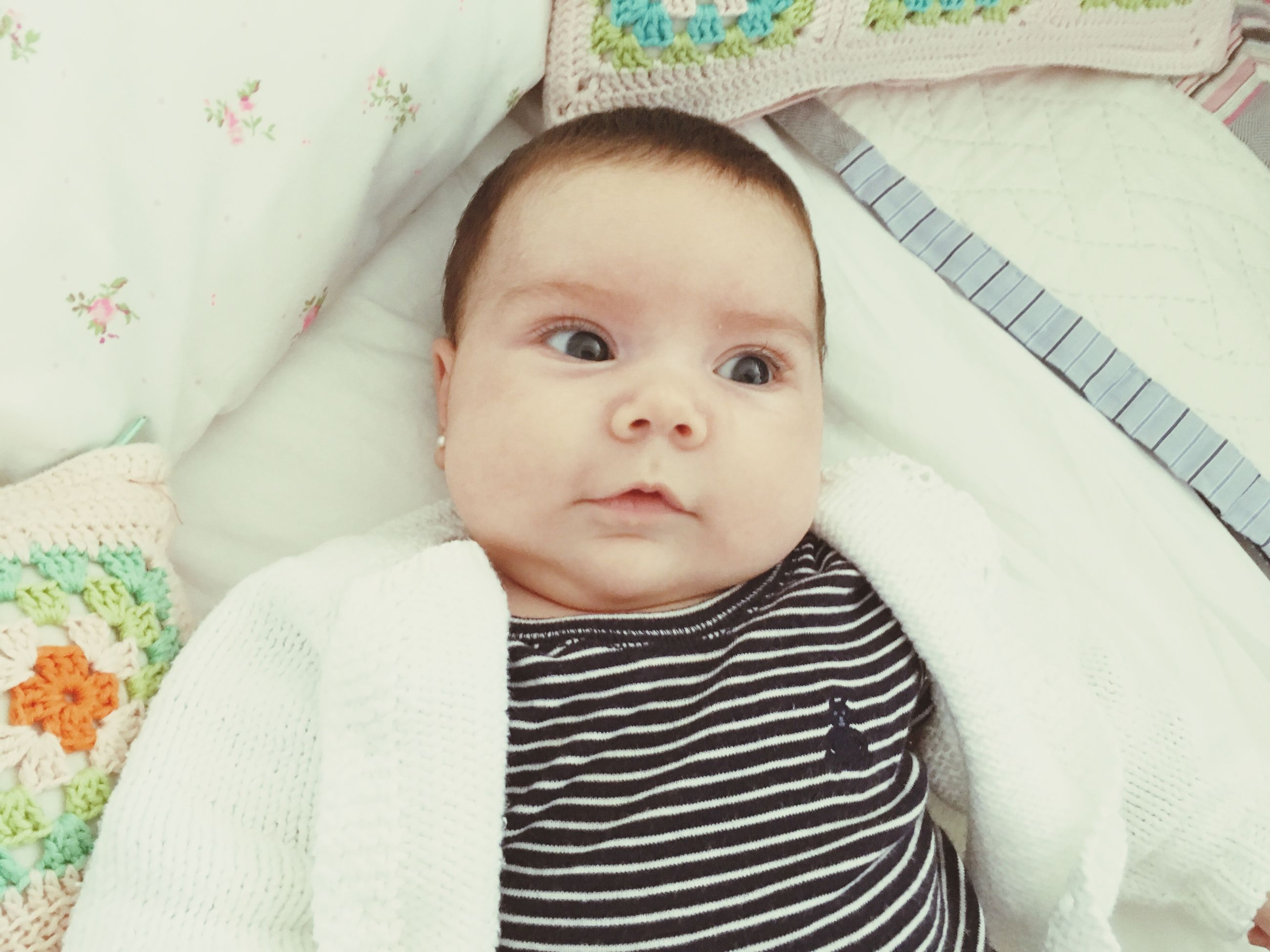 baby, looking at camera, portrait, innocence, indoors, real people, bed, one person, babyhood, bedroom, close-up, people, day