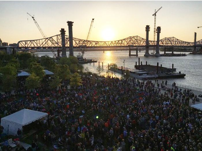 Waterfront Wednesdays free concert Louisville Waterfrontwednesdays Bigfourlawn Sunset Concert