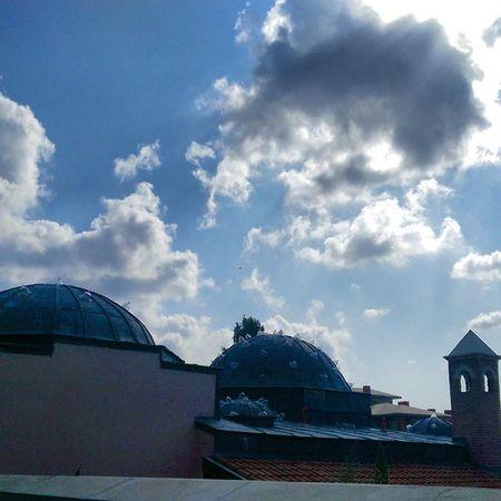 Zeytinburnu Merkezefendi hamami catisi... Dome Architech mimari hamam istanbul sky color