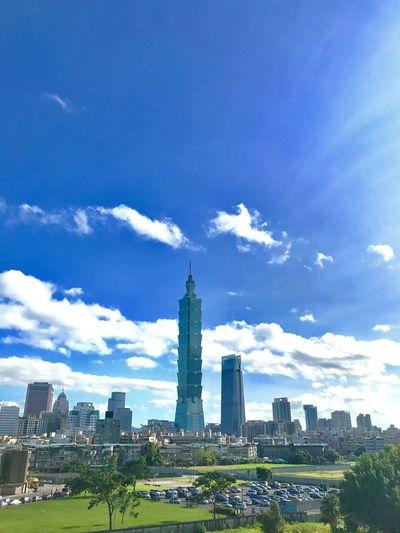Taipei 101 Skyline Sunnyday