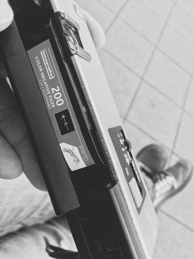 世田谷のボロ市で入手した、110filmカメラで試し撮りをしてみようかと。 Lomographyfilm Day One Person Indoors  Communication Text Film Film Camera 110 Film Canon Canon 110ED 110film 110film Camera Analog Camera Production In 1974 Monochrome Monochrome Photography