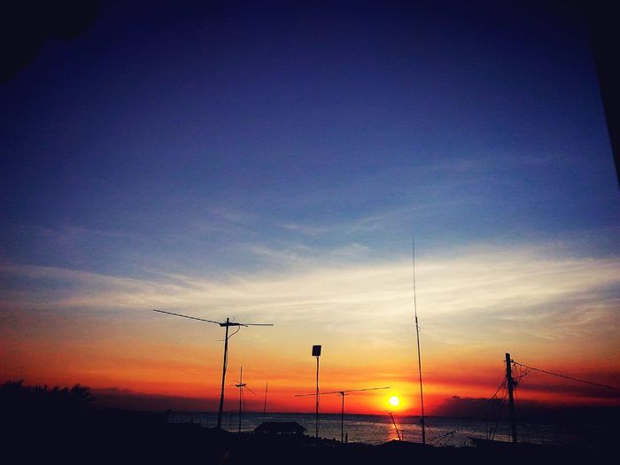 This is my very first photo here.. :-) Sunsets Sunsetlover Ocean View Sky And Sea First Eyeem Photo Zenfone Photography Zenfone2laser