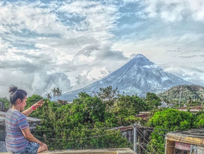 Philippines Mayon Volcano Albay Philippines Mountain Roof Top View  EyeEm Eyeem Philippines Nature EyeEm Gallery Home Sweet Home Happiness EyeEm Best Shots Albay,bicol Love The Place Happy Girls Are The Prettiest. Beauty Outdoors Beauty In Nature