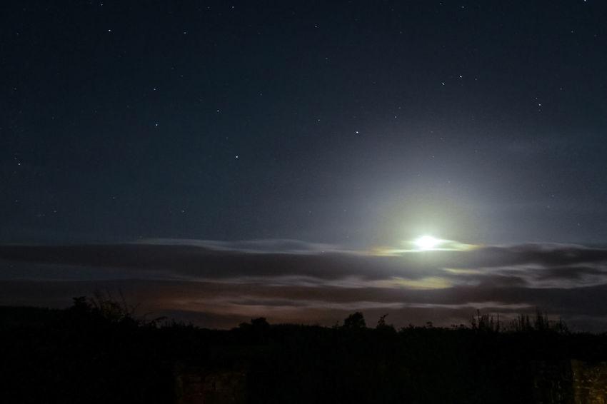 Starry, Starry night Celestial Cloudscapes Dreamscape Moon Light Nightsky Peeking-moon Starsky Twinkle Night First Eyeem Photo