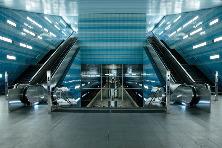 Hamburg Underground by www.eightTWOeightSIX.de Escalator Transportation Modern Technology Blue Clean Symmetry Geometric The Way Forward No People Symmetrical Urban Urban Geometry Hamburg Undergroundpassage Underground Station  Underground Subway Station Empty Places Empty Future Vision Futuristic Subway Modern Architecture The City Light The Architect - 2017 EyeEm Awards Mobility In Mega Cities Stories From The City Adventures In The City