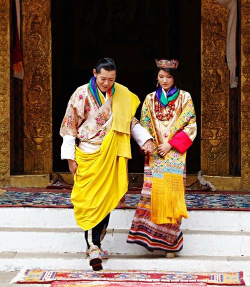 Happy wedding anniversary to the royal couple ❤️ Royals Royal Couple Bhutan His Majesty... Her Majesty King Queen Beautiful Couple Humble people's king! 🙏