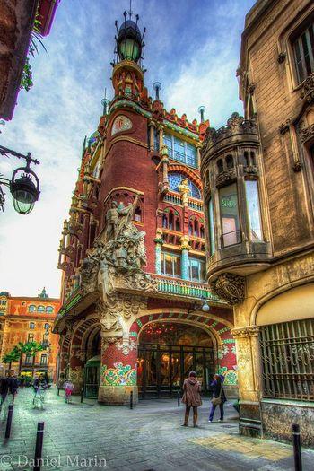 Palau de la Musica. Barcelona. España Taking Photos Spain♥ Arquitecturestyle Architecture Fachada Y Escultura Fachada Arquitecture City Ciudad Peuple 👲👳👮👷💂💋 Hystory Barcelona España Barcelona Streets Barcelona, Spain