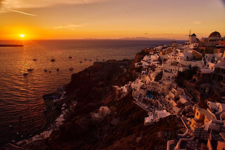 Santorini Sunset Sea And Sky Romantic Travel Photography Landscape_photography Travelphotography GREECE ♥♥ Greece Island Europe Trip Europe Golden Hour Lost In The Landscape