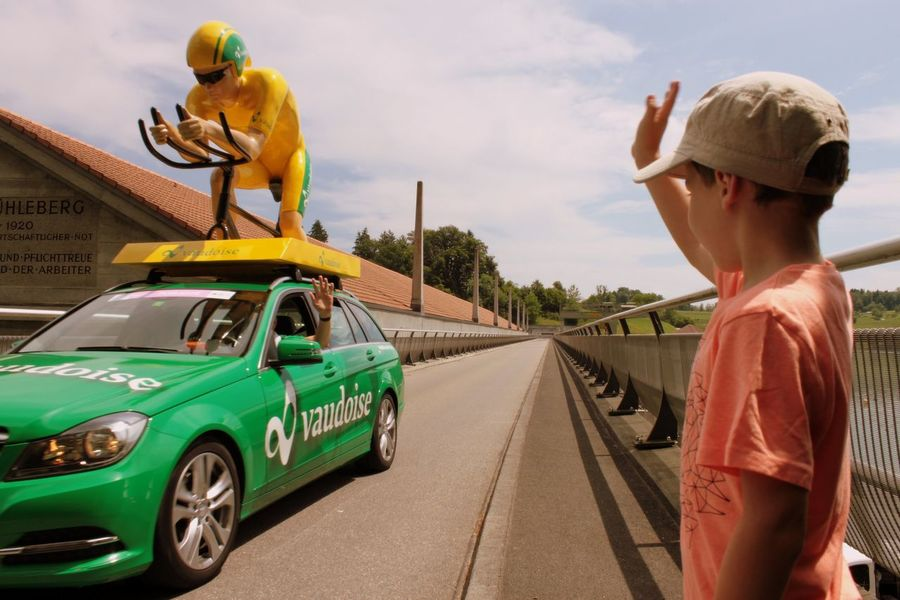 Tour De Suisse Sport Event Cycling Outdoors Day Fan - Enthusiast Hallo Car Promotion Supporter Bridge HJB Sport Switzerland Kanton Bern Boy Wave To Wave Each Other The Photojournalist - 2017 EyeEm Awards
