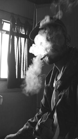 mil sonhos insanos Black Blackandwhite Wasagoodday Weed WEEDLIFE Night Skateboarding Skatesalva Skatelife Beer Smoking - Activity Social Issues Smoke - Physical Structure Cigar Smoking Issues Cigarette  Smoke Atmospheric Fire