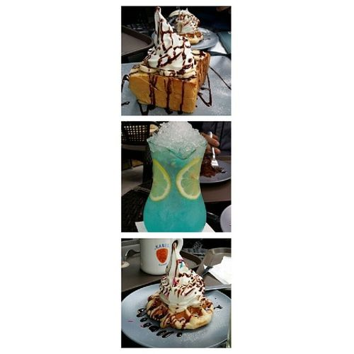 Have a nice day. 大学路 Kanescoffee Waffle Icecream drink terrific happyfriday afterschool life instalike