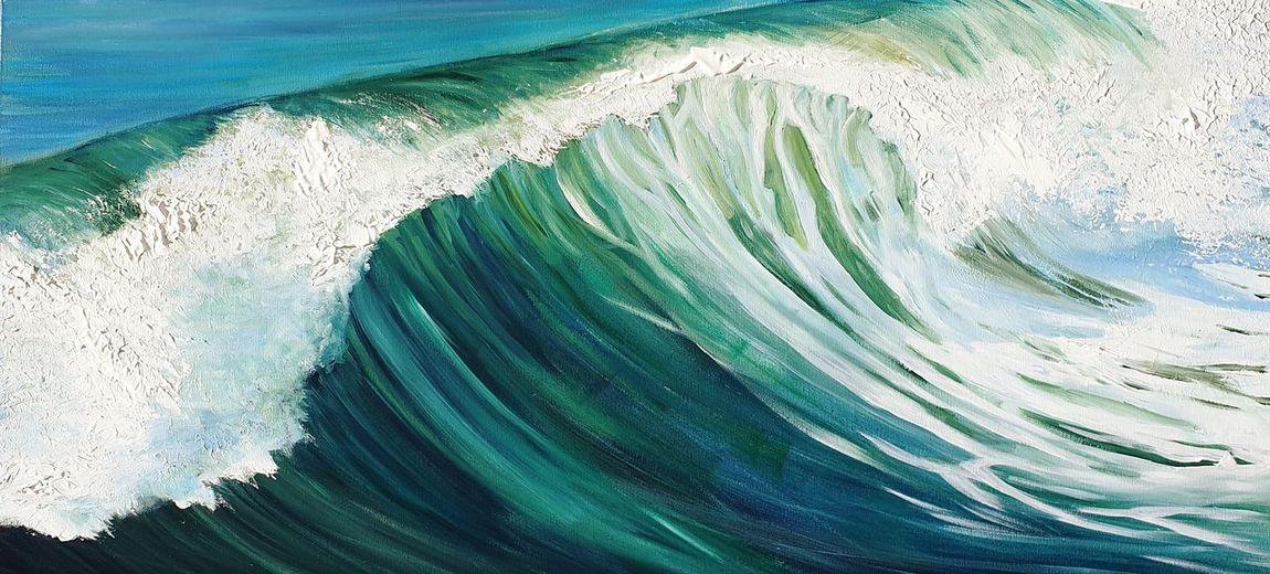 Close-up of wave splashing in sea