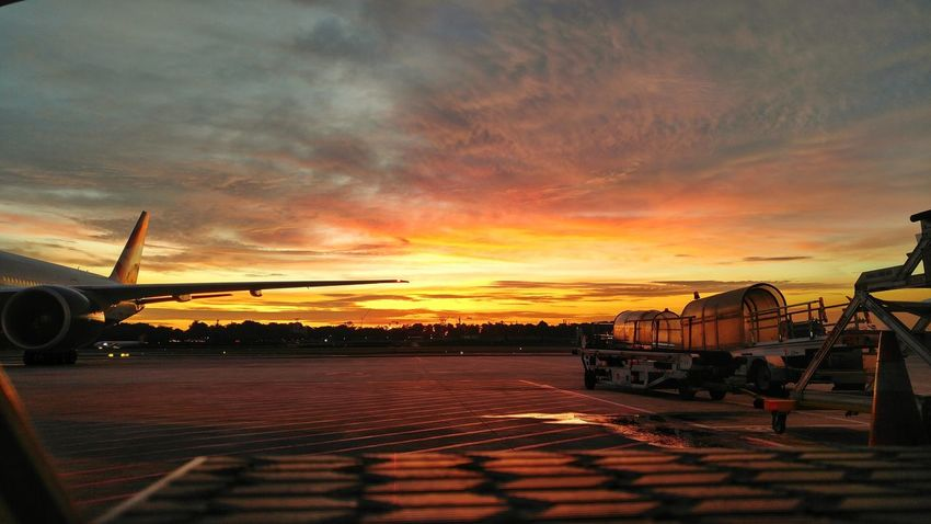 It's the last 10 days and what a sight indeed. Sunset Sky Cloud - Sky Outdoors Nature Cloudsandsky Airport Red Orange Yellow Sky Beauty In Nature Dramatic Sky Working Hard Hustle Airport Runway LGV10 Lgv10photography