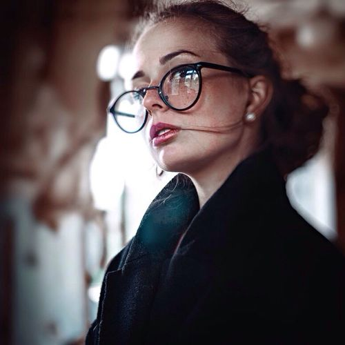 Vscodaily Ostapovich Beauty Beautiful Eyemphotography EyeEm Gallery EyeEm Best Shots First Eyeem Photo Amazing Bokeh Light Look Model Girl VSCO Vladislavostapovich The Portraitist - 2016 EyeEm Awards