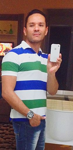 That's Me Hello World Cheese! Itajaí Moreno Life IPhone TommyHilfiger Party Saturdaynight