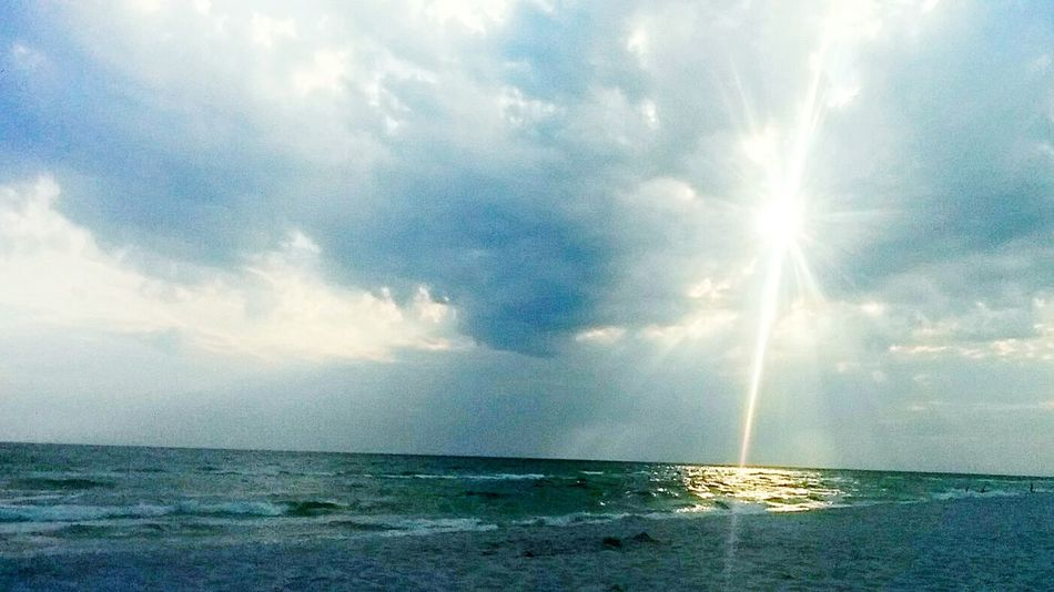 People And Places Horizon Over Water Water Sea Scenics Tranquil Scene Sunbeam Tranquility Beauty In Nature Sky Beach Sunlight Seascape Idyllic Sun Nature Calm Cloud Cloud - Sky Ocean Majestic