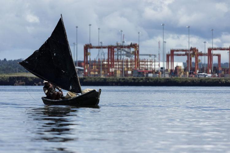 Treinta mil en pescado Working Working Hard Fisherman Fishing Nautical Vessel Poorness Salling  Sallingship Water